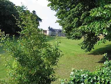 Les Jardins Du Ch Teau De La Chatonni Re Arrosoirs Et