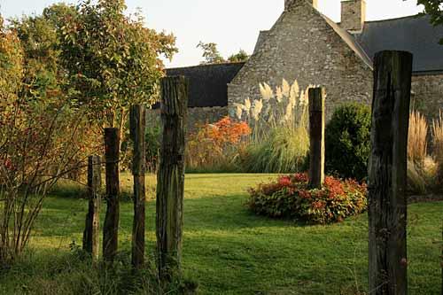 Chronique d un jardin en sud bretagne en octobre 2015 arrosoirs et s cateurs - Jardins de bretagne a visiter ...