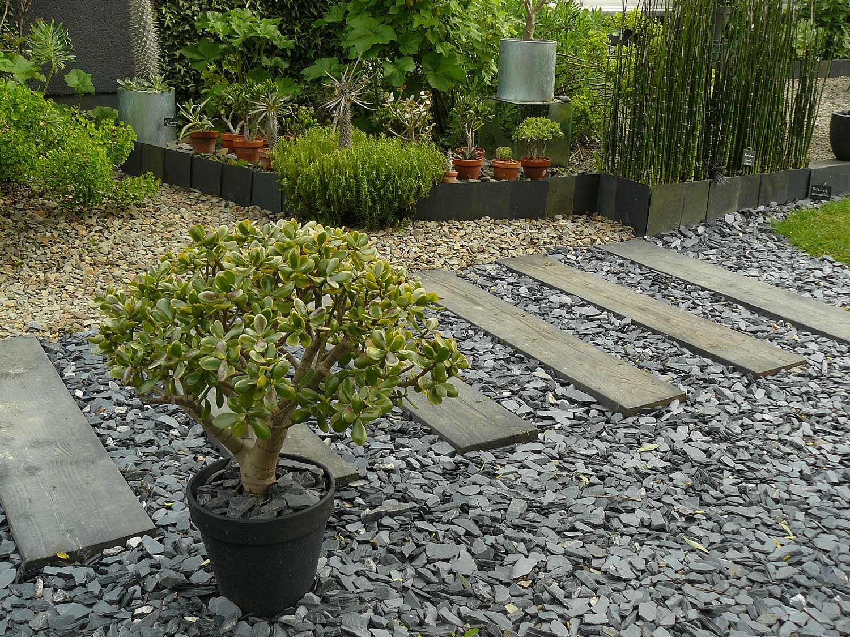 le jardin int rieur ciel ouvert athis de l orne arrosoirs et s cateurs. Black Bedroom Furniture Sets. Home Design Ideas