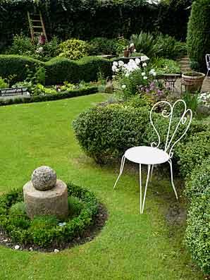 petit jardin romantique tours maison design. Black Bedroom Furniture Sets. Home Design Ideas
